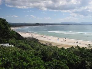 blick vom rainforest auf den strand